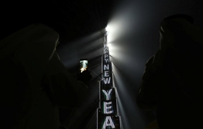 В честь Нового года на башне Бурдж Халифа была установлена праздничная подсветка.