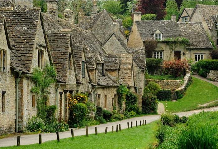 Найкрасивіша село в західно-центральній Англії.