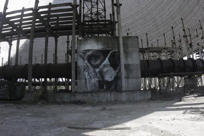 Портрет в память о ликвидаторах последствий катастрофы на реакторе Чернобыльской атомной электростанции.