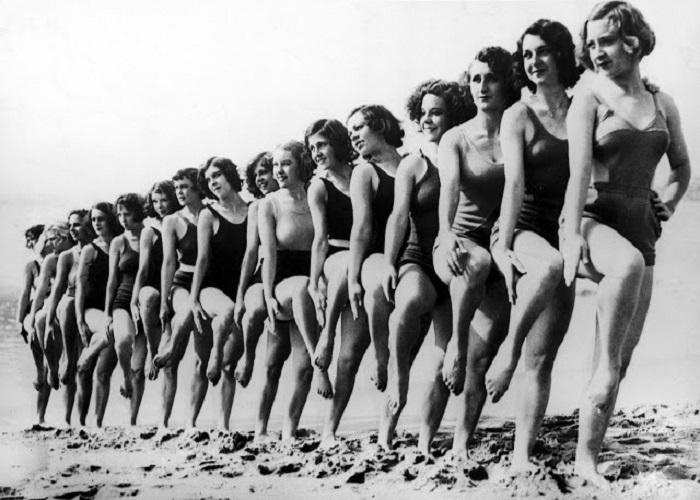 Среди молодежи были очень популярны вечера, которые проводились на пляжах.