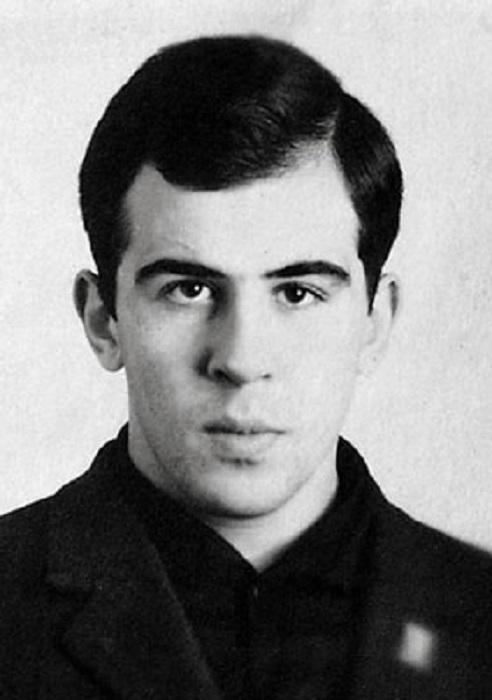 Министр иностранных дел Российской Федерации, постоянный член Совета безопасности России.