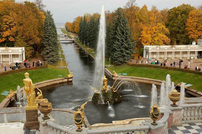 Золотая осень в разных уголках России.