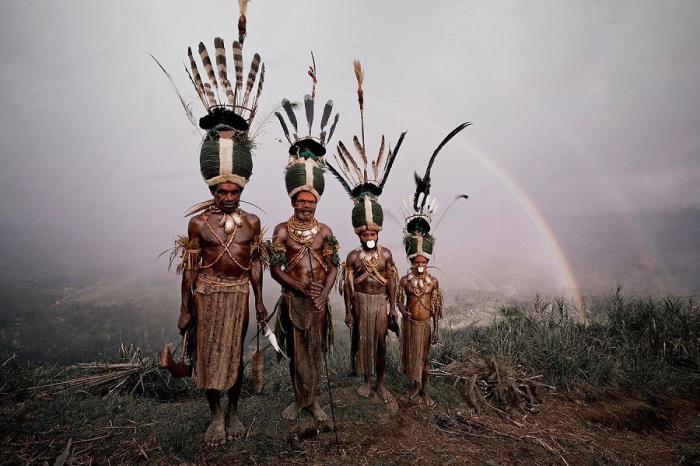 Исчезающие с лица земли племена и народы.