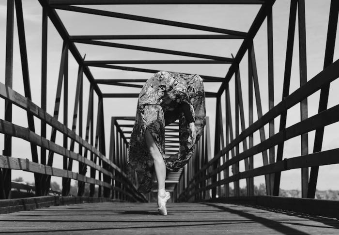 Танец о непростой любви. Фотограф - Gabriel Encinas.