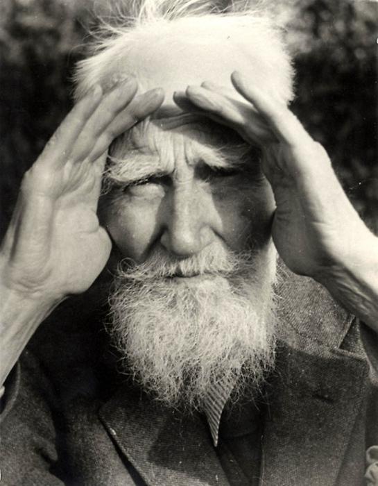 Крупнейший английский драматург конца XIX - первой половины XX века, лауреат Нобелевской премии.