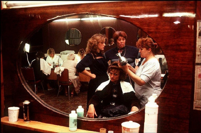 Салон красоты, 1988 год. Фотограф Бруно Барби (Bruno Barbey).