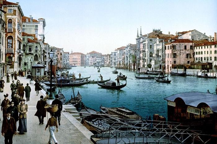 Канал Венеции на острове Риальто.