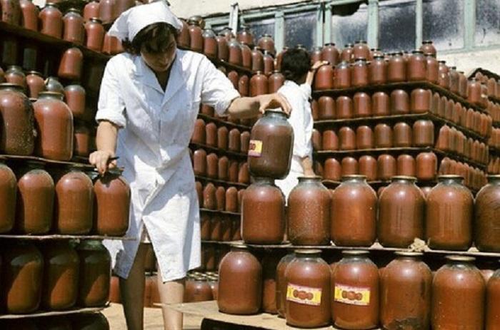 В Советском Союзе для сока была предусмотрена трёхлитровая банка, а не какие-то маленькие порционные пакетики.