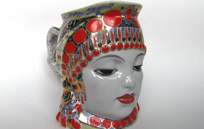 Кружка «Молоко», изображающая шамаханскую царицу. Автор Данько Наталья.