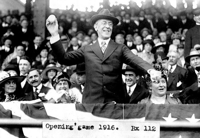 Томас Вудро Вильсон на открытии турнира, 1916 г.