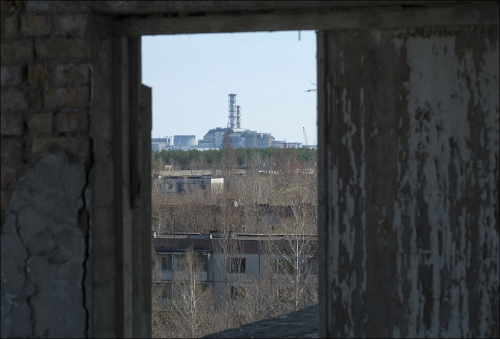 Вид на четвёртый блок Чернобыльской АЭС.