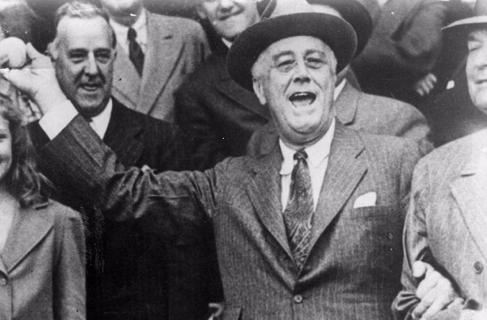 «Если бы мне не приходилось преодолевать все эти ступеньки с такой тяжестью, я бы подавал каждый день». Ф. Рузвельт.