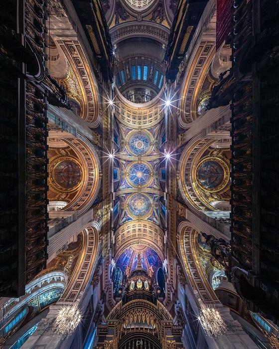 Панорамный снимок собора Святого Павла напоминает красочную картинку из волшебной сказки.