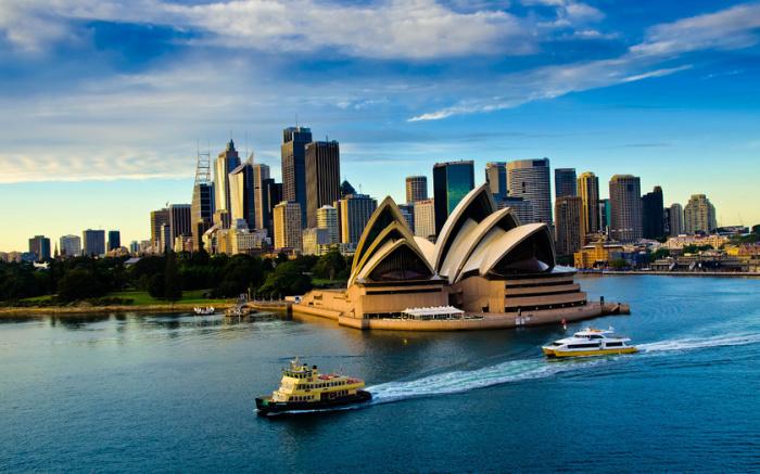 Удовольствие от посещения Сиднейского оперного театра будет гораздо более длительным, чем разочарование от очень дорогого перелета в Австралию.