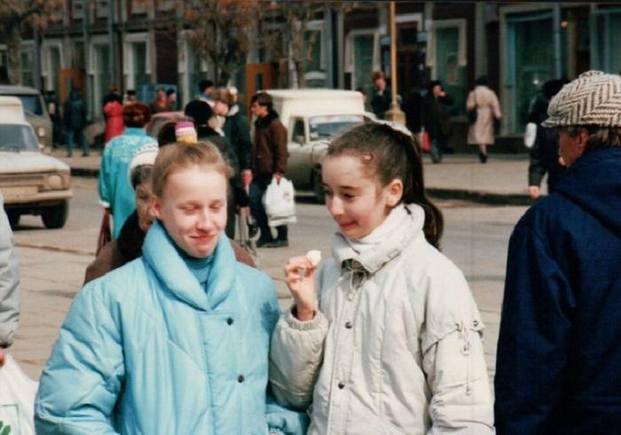 Российские девушки, встреченные туристом из Германии на улицах одного из городов.