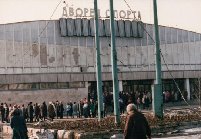 Так выглядел культурно-развлекательный комплекс, построенный в 1965-м году, до проведения реконструкции в 2007-м.