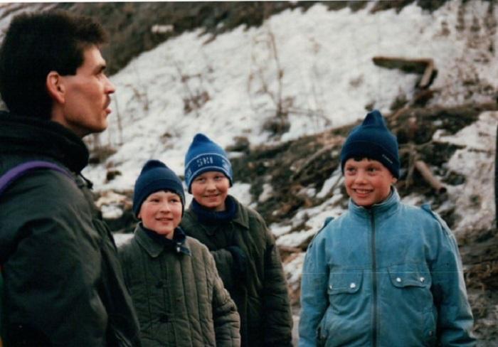 Неожиданная и волнующая встреча мальчиков с иностранным туристом – будет что рассказать друзьям.