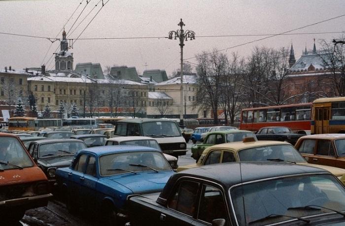 Фотографии Москвы и москвичей 30 лет назад.