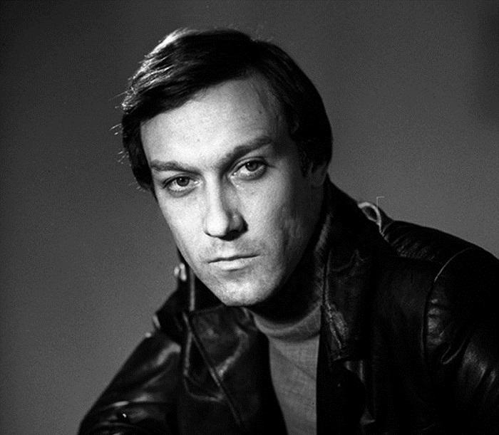 Лучший актёр по опросу журнала «Советский экран» в 1984 году (за роль в фильме Влюблен по собственному желанию).