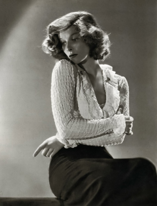 Американская актриса, легенда экрана первой половины и середины ХХ века.