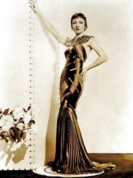 Великая голливудская актриса с набором ярких и запоминающихся ролей.