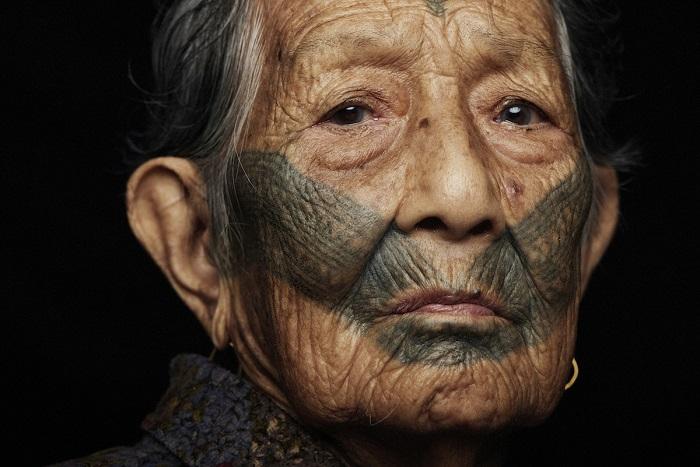 Женщина из племени атаял.