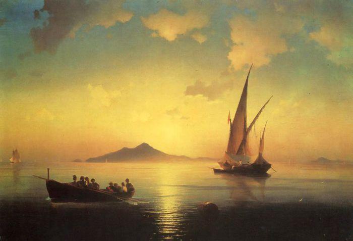 Картина наполнена золотом низко стоящего солнца и расплывающихся облаков.