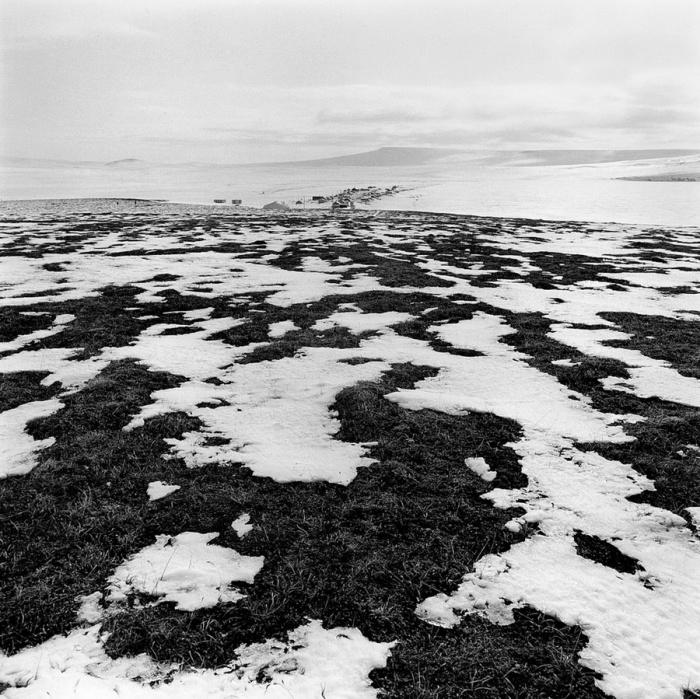 Небольшое поселение посреди тундры, Тунунак, Аляска, 1974 год.