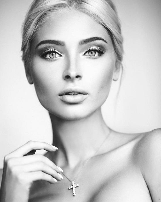Российской модели из Тюмени принадлежит титул второй вице-мисс России 2012 года.
