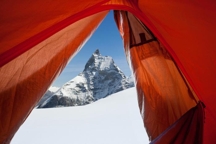 Снимок сделан из самой верхней точки ледника Акджи (3600 метров), на фотографии знаменитая гора Маттерхорн с уникальной четырехгранной пирамидальной формой.