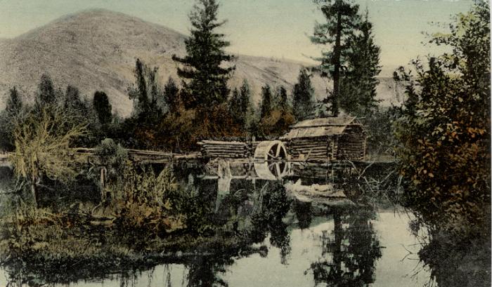 Сельская водяная мельница в долине реки Уймон, притоке Катуни.