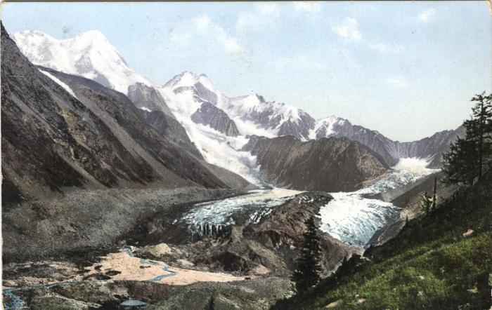 Гора Белуха укрыта ледником Катунский.