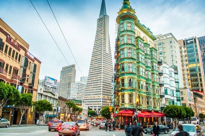 Самый высокий небоскрёб Сан-Франциско.