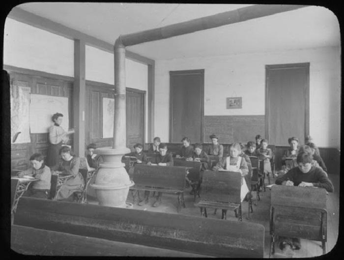 На уроке в школе Вудбайна, Нью-Джерси, начало XX века.
