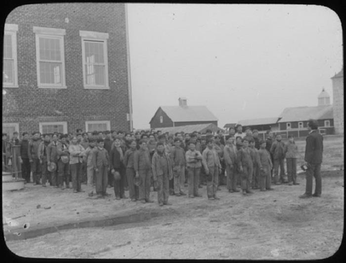 Ученики сельскохозяйственной школы в Вудбайне, 1900 год.