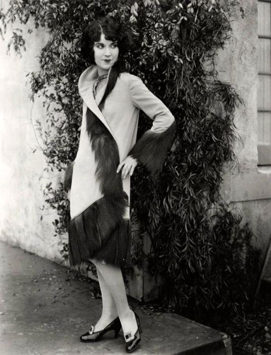 Актриса стала известна во всем мире благодаря исполнению роли Энн Дэрроу в фильме «Кинг-Конг» снятого в 1933 году.