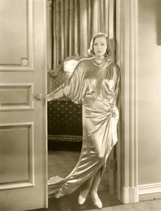 Главная звезда в Соединенных Штатах в эпоху немого кино и Золотого Века Голливуда за всю свою жизнь не дала ни одного интервью - её тяготила народная любовь и светская суета.