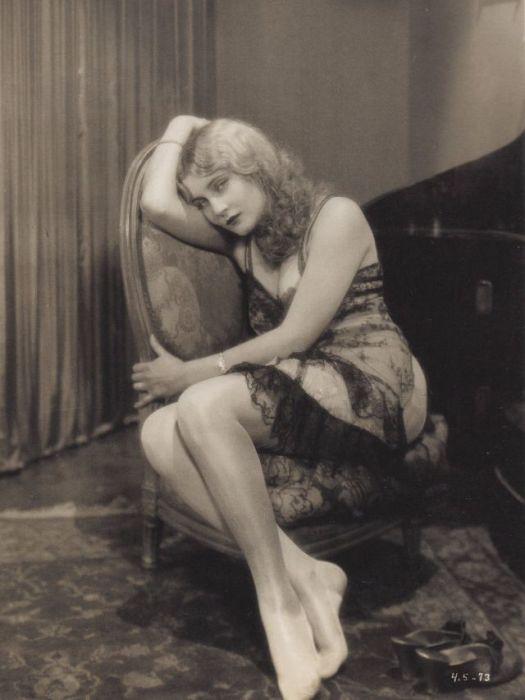 Актриса и певица за свою 7-летнюю карьеру в кинематографе успела сыграть в 20-ти фильмах.