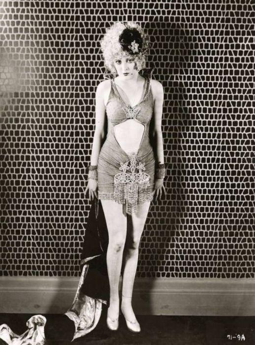 Несмотря на огромную популярность, своим успехом актриса была скорее обязана красоте, обладая весьма скромным актерским талантом.