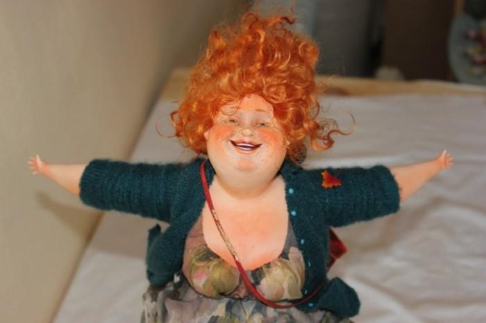 Образ любой куклы, созданный мастерицами, как будто рассказывает новую историю.