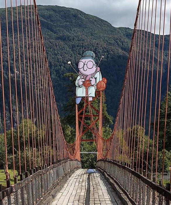 Мост, связанный с помощью шерстяных ниток и спиц.