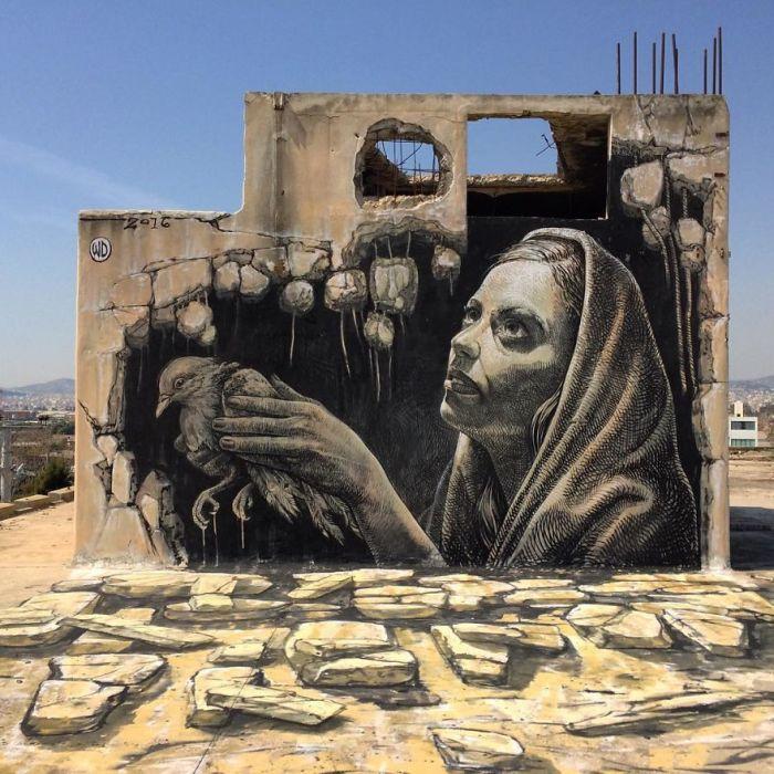 Впечатляющий стрит-арт, нарисованный на одном из зданий в Афинах, Греция (2016 год).