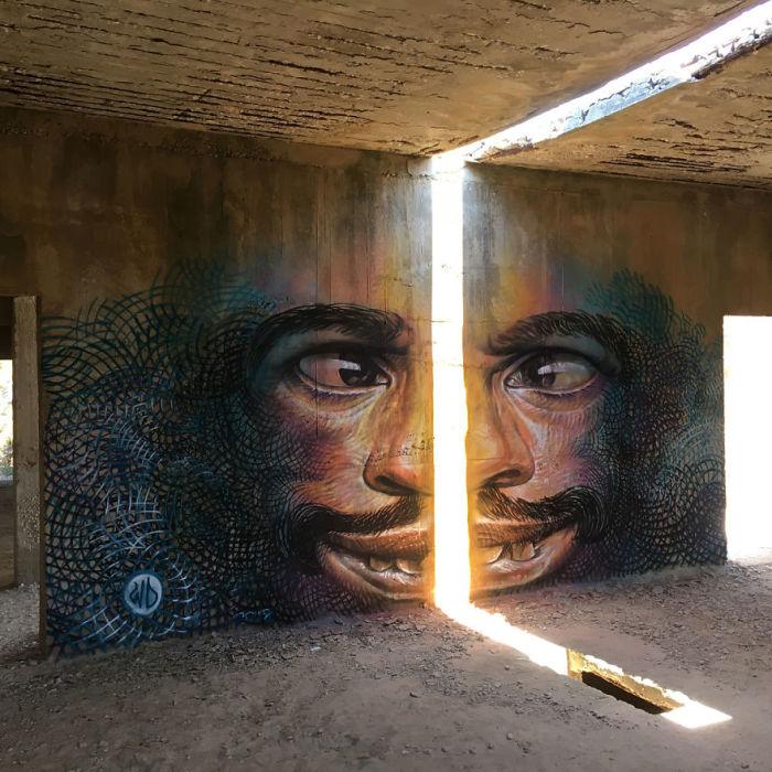 Стрит-арт, созданный художником внутри заброшенного здания на острове Наксос, Греция (2018 год).