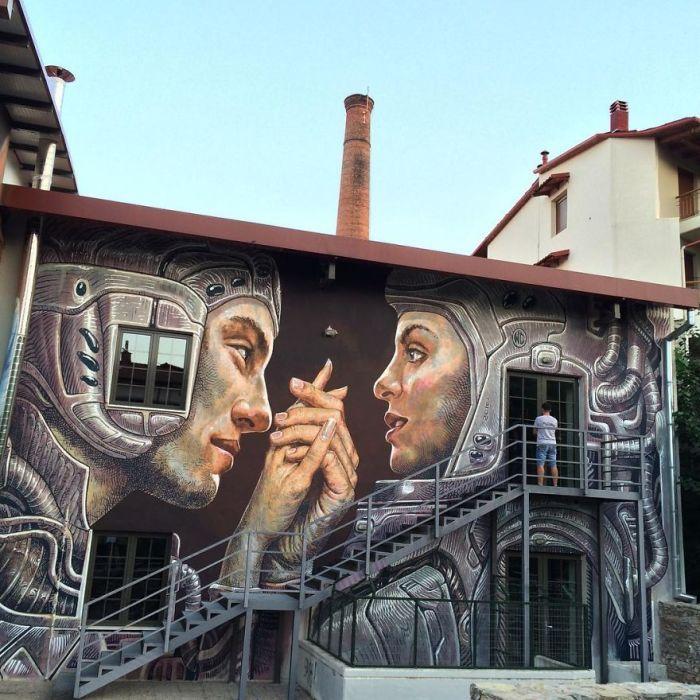 Завораживающий стрит-арт, нарисованный на стенах здания в городе Науса, Греция (2016 год).