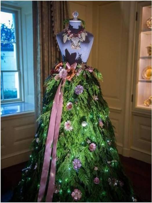 Платье, украшенное ветвями лесной красавицы.