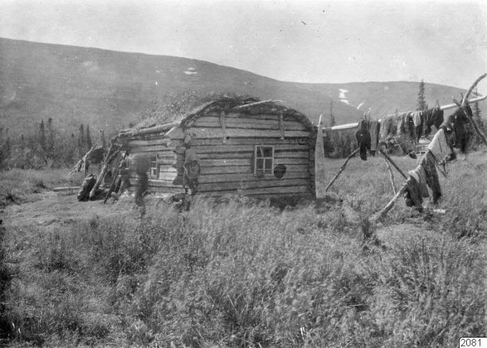 Деревянный дом на русском Севере.
