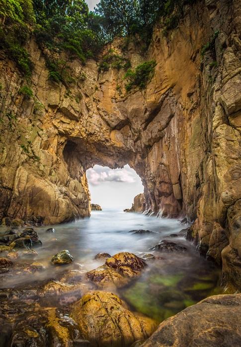 Национальный природный парк, расположенный на юго-востоке острова Сикоку в префектурах Коти и Эхимэ.