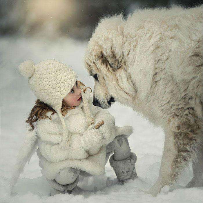 Пёс, который любит свою девочку-хозяйку.