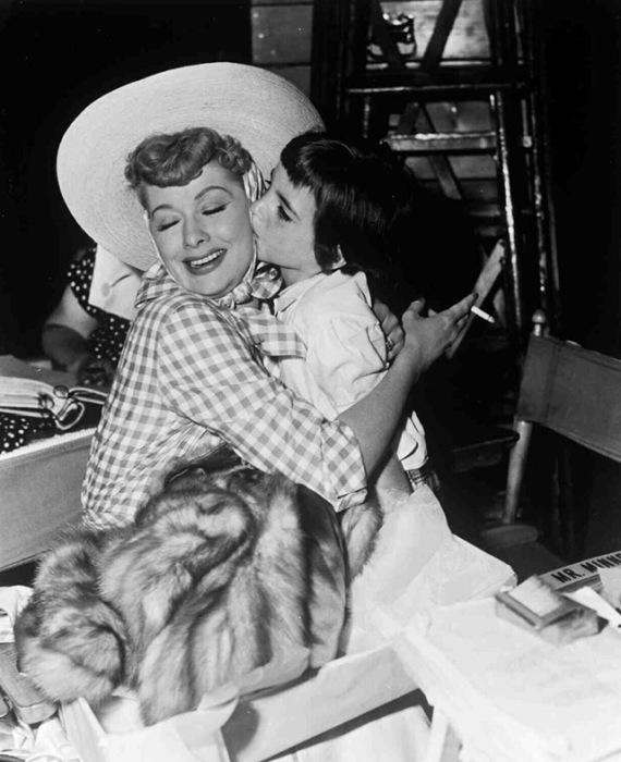 Минелли с Люсиль Болл во время репетиций отца Винсенте Миннелли, 1953 год.