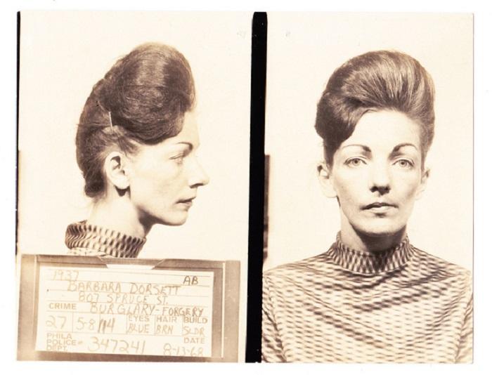 Барбара, с чудесными бровями и причёской.